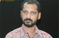 Naa Muthukumar Leads in His Songs