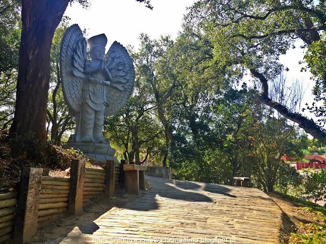 Jardim de Esculturas Modernas e Contemporâneas, BACALHÔA BUDDHA EDEN