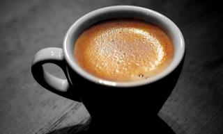 فوائد القهوة بدون سكر وأضرارها