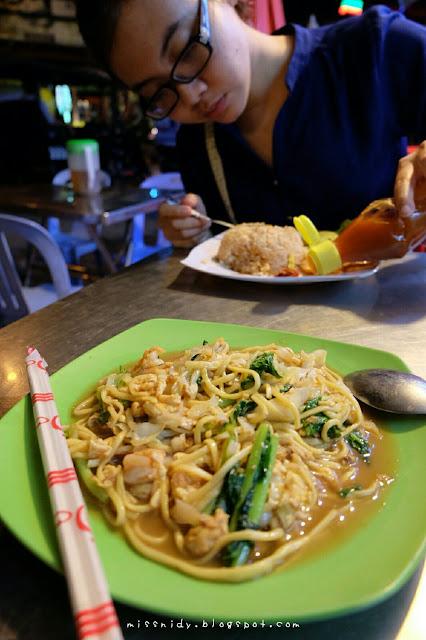 makanan di night market siem reap