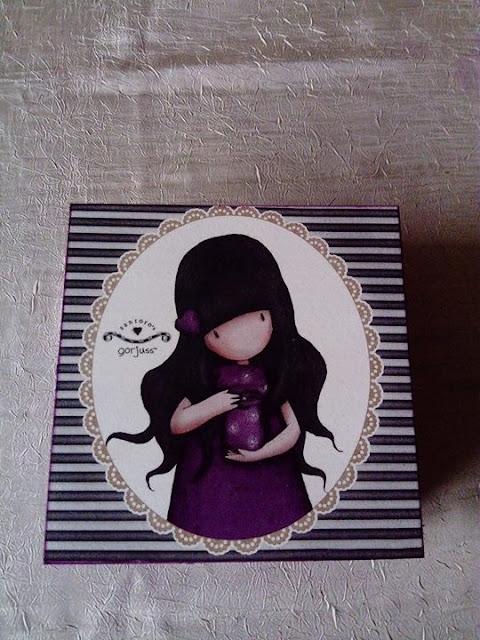 Inspiracje ze świata sztuki – fioletowa szkatułka z dziewczynką :)