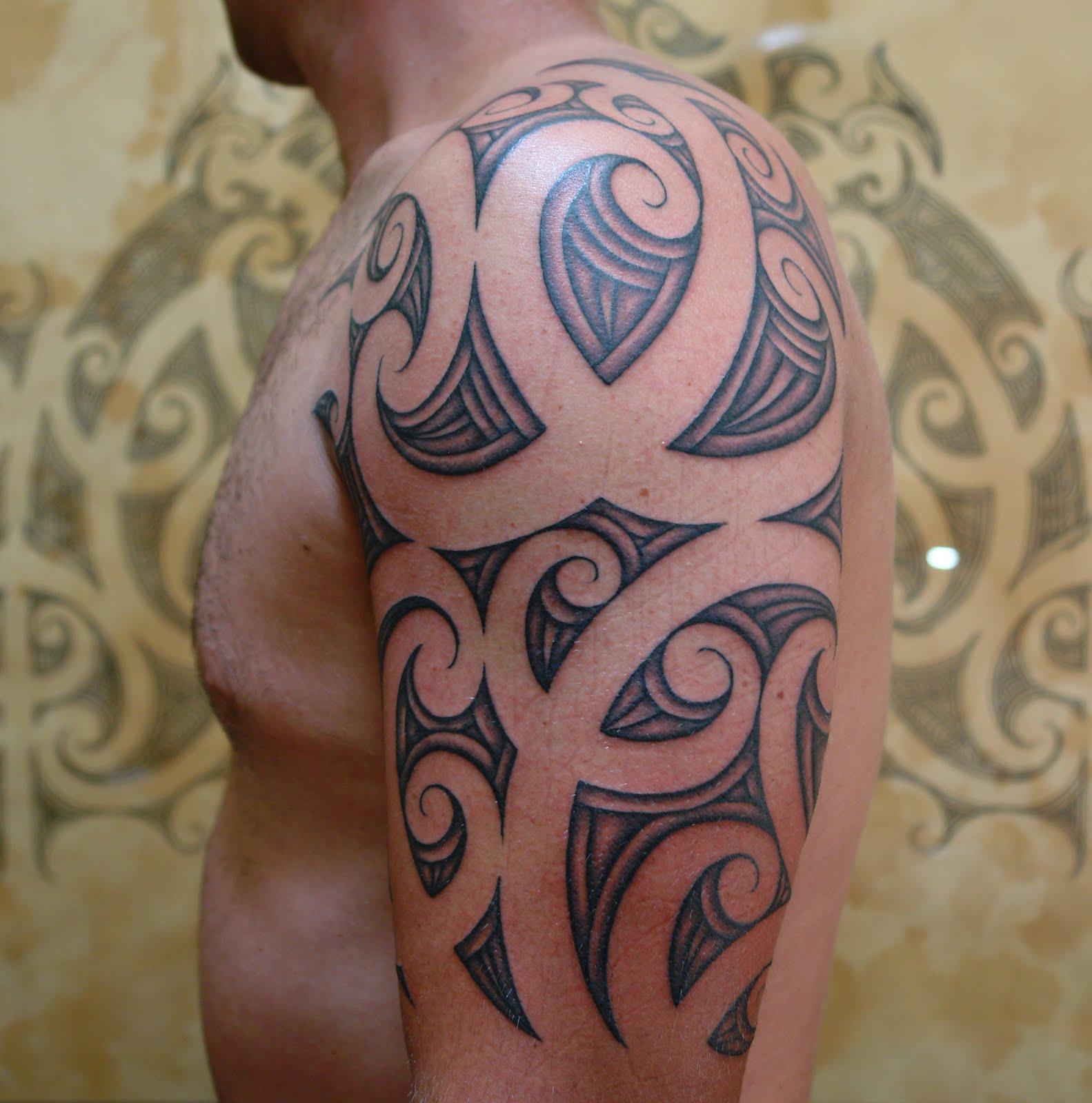 Maori Tribal Tattoo Design: Body Art World Tattoos: Maori Tattoo Art And Traditional