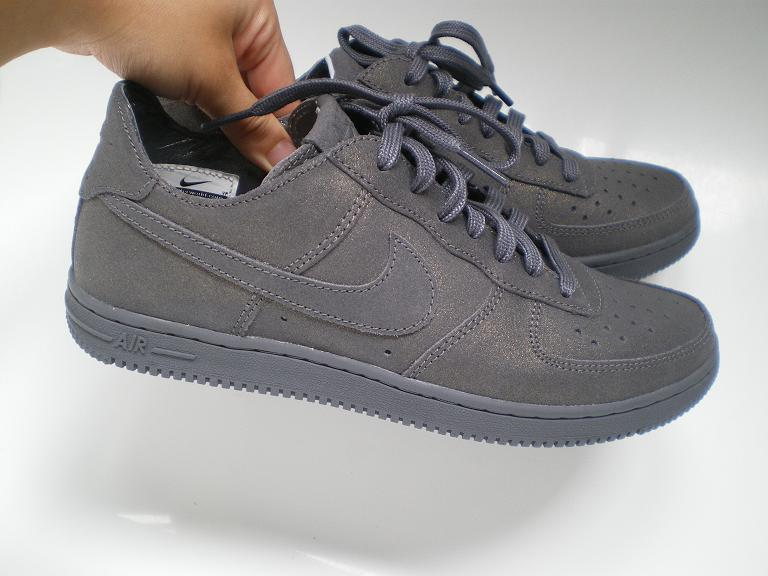 ad36e057256fe dust eater  nike air force 1 low light - metallic dark grey