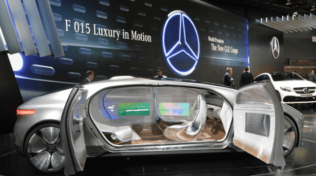 Mobil Masa Depan F 015 Luxury in Motion