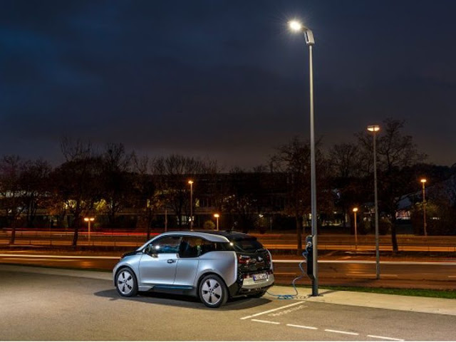 BMW Light and Charge