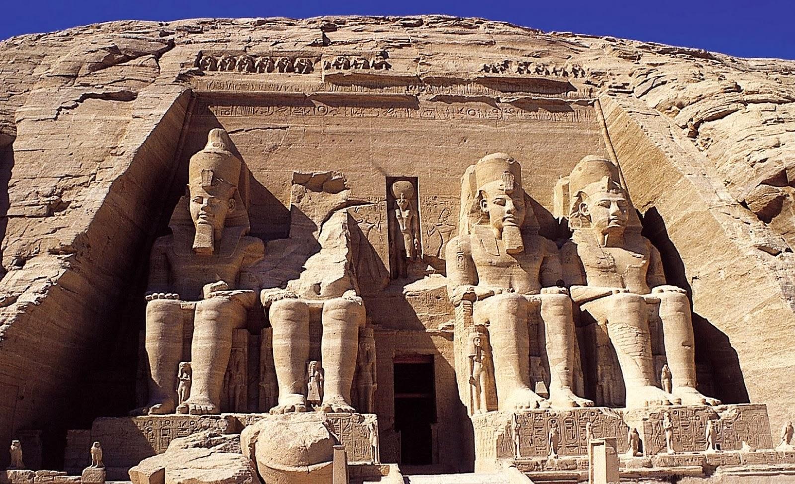 Resultado de imagen para Fotos del rostro de Ramsés II (de 20 toneladas) en el templo de Abu Simbel