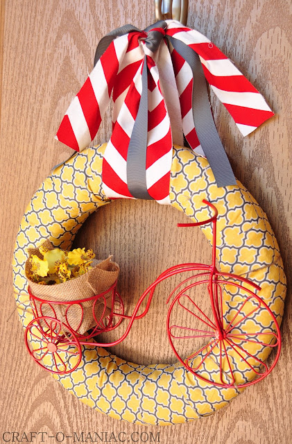 DIY Bicycle Summer Wreath www.craft-o-maniac.com