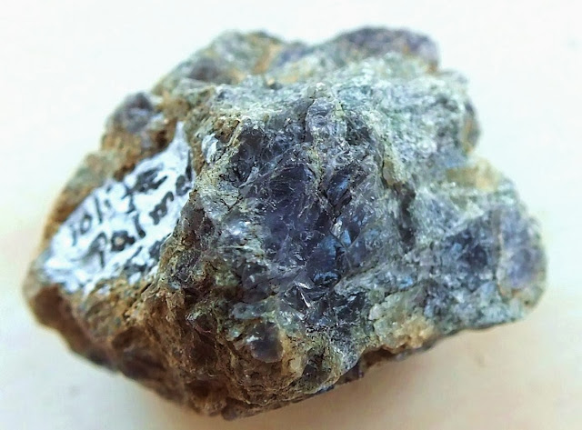 Gemhunter S Guide To Prospecting For Iolite Water