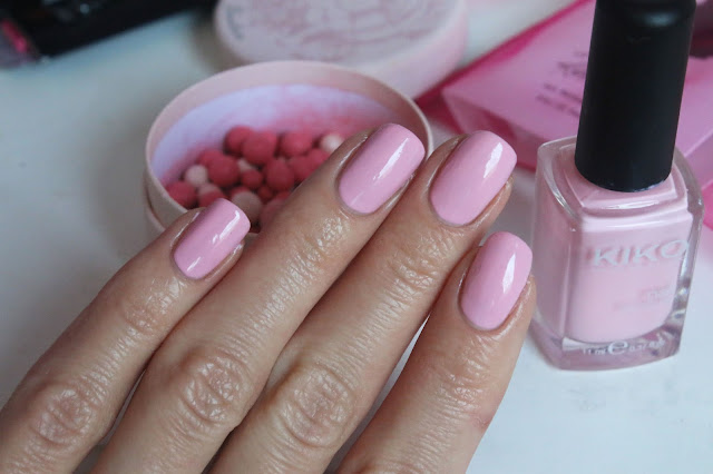rose quartz nail polish pantone 2016