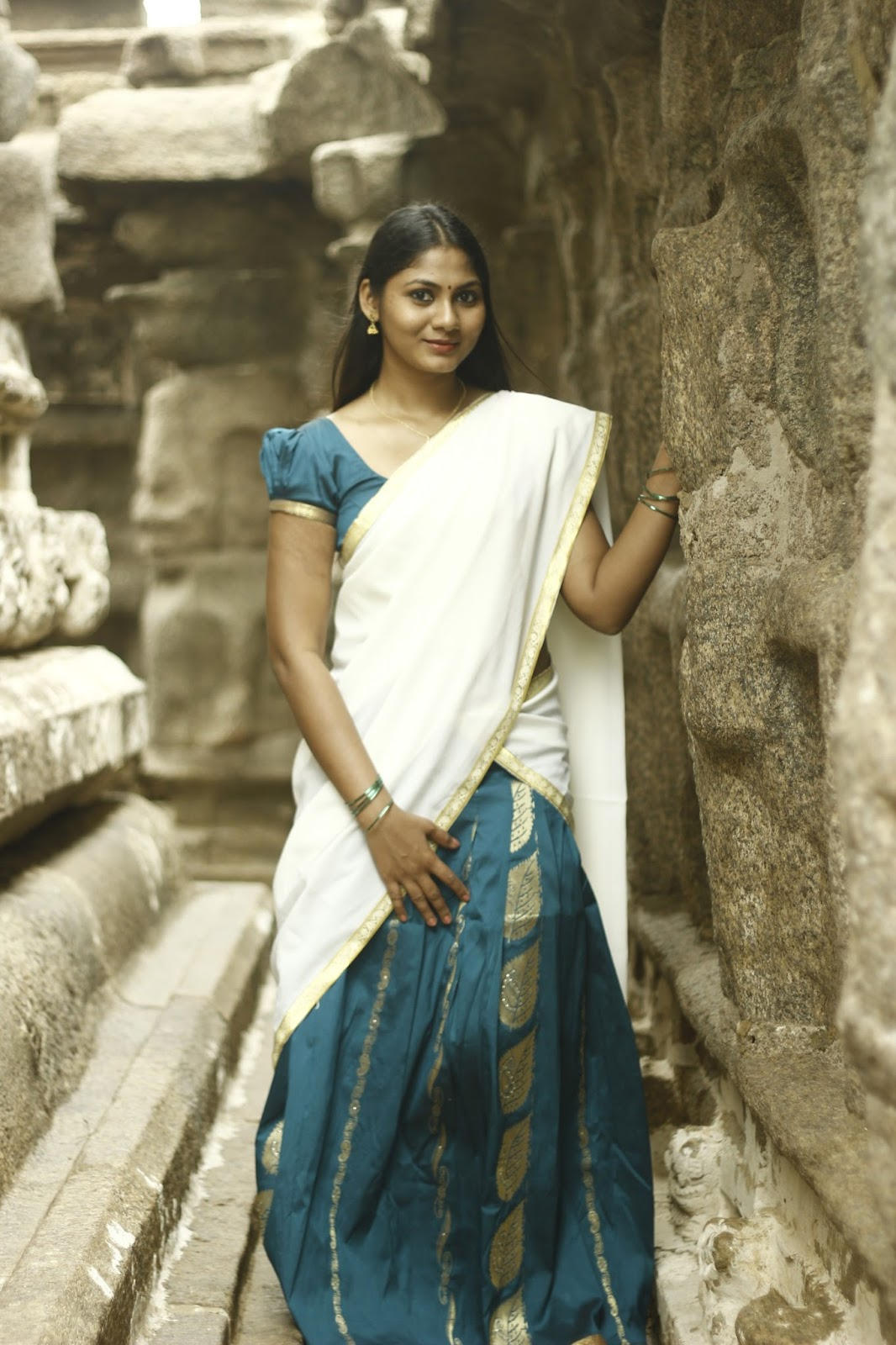 Shruti Reddy latest photos in half saree-HQ-Photo-10