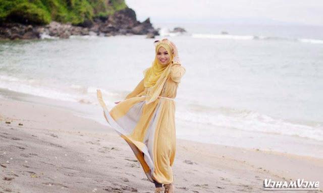 Mau Tampilan Hijab Penuh Inspirasi Follow 9 Hijab Blogger ini, Sekarang! Ghaida