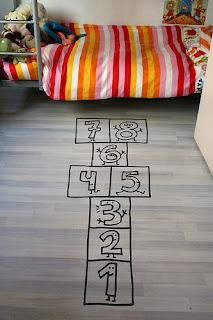 Imagen de juego infantil CUCO en vinilo de corte