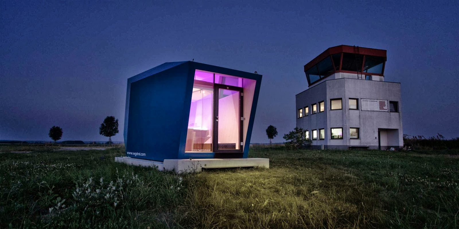 unique-exterior-Transportable-House