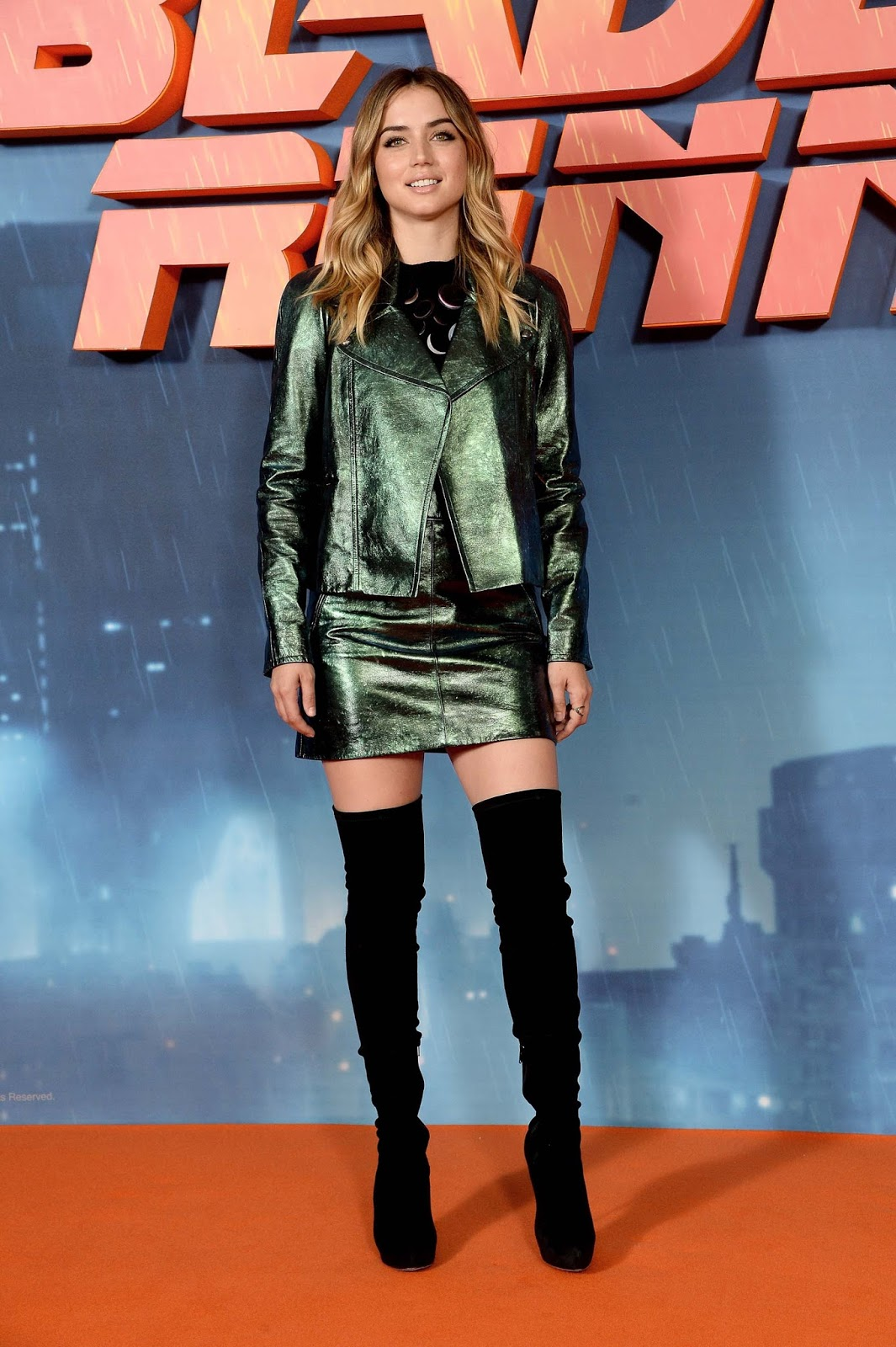 Lovely Ladies In Leather Ana De Armas In A Leather Suit