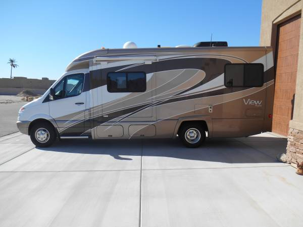 used rvs 2011 winnebago view profile rv for sale for sale by owner. Black Bedroom Furniture Sets. Home Design Ideas