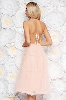 Rochie Ana Radu rosa de lux tip corset cu bust buretat din tul captusita pe interior cu umeri goi
