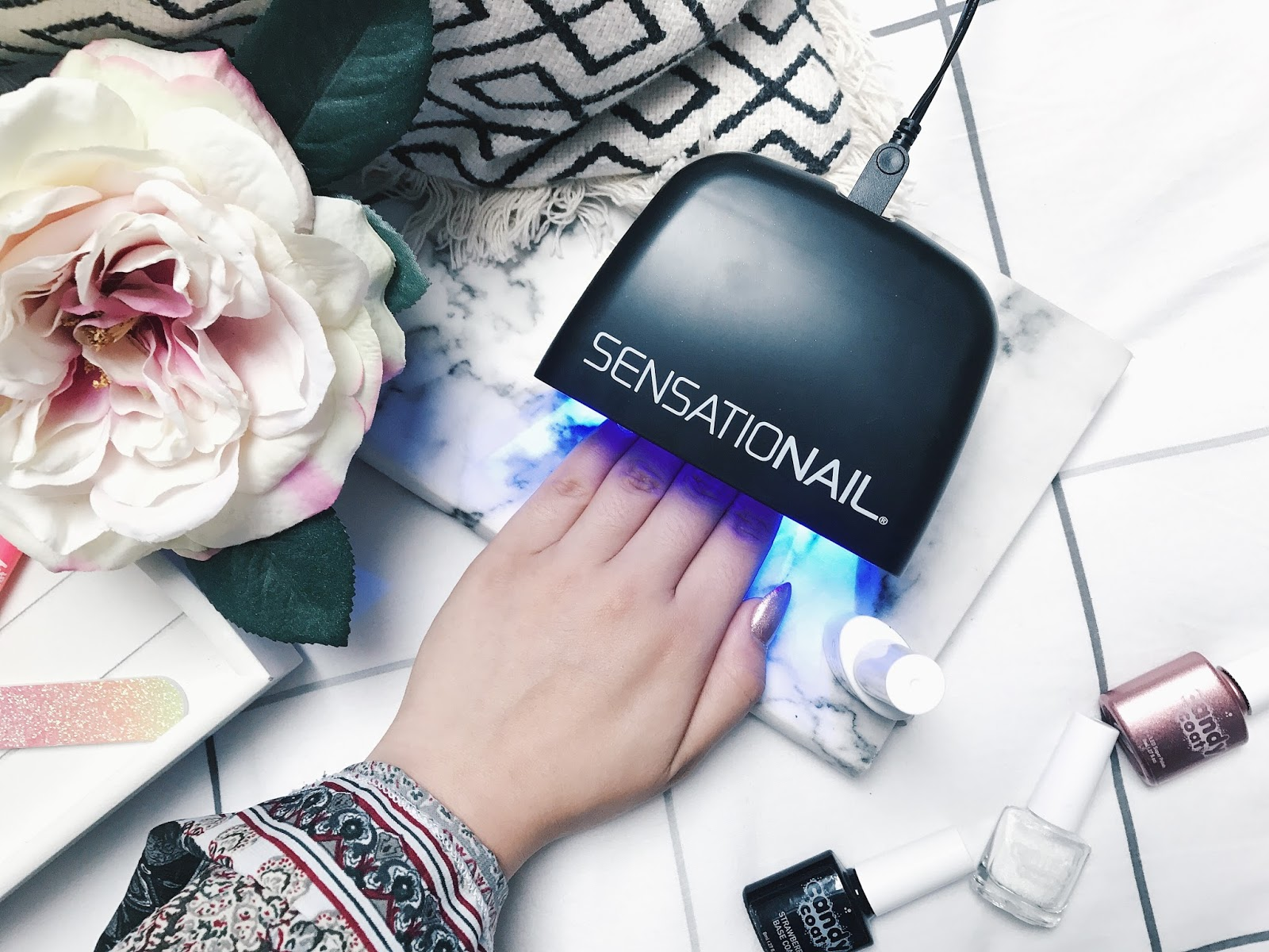 How To Get Effortless Gel Nails At Home | The Kitty Luxe