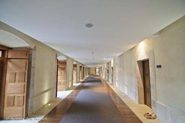 Acceso habitaciones y madreñas - Parador Nacional de Corias