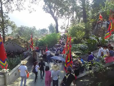 ベトナムの西天寺(Tay Thien pagoda)