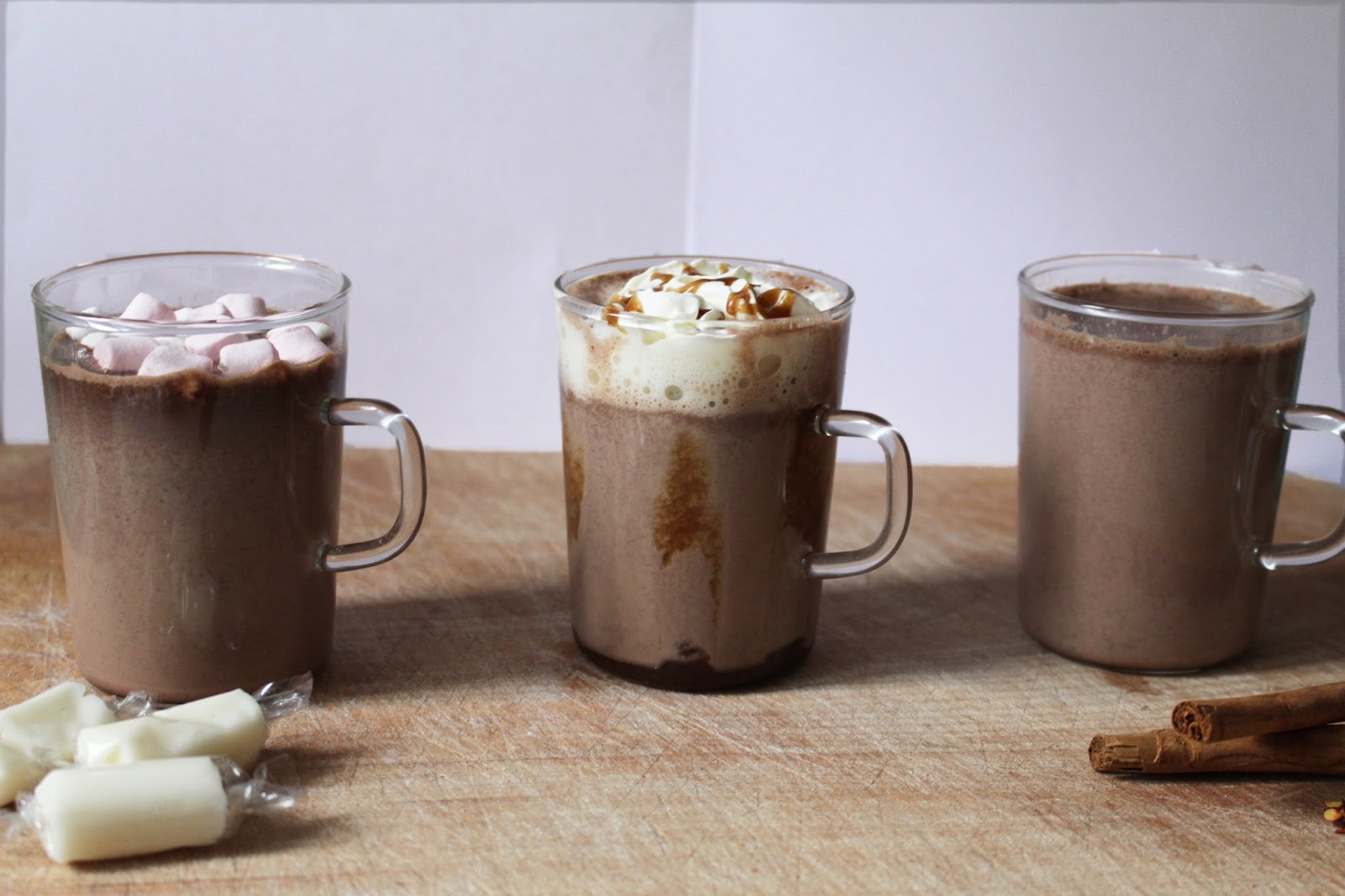 http://flowerspolkadots.blogspot.de/2015/12/hot-chocolate-variations.html
