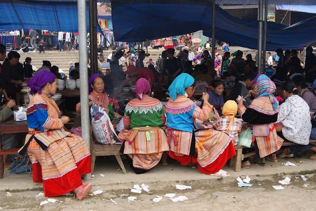 Travel Inspiration From Sunday Morning Market in the Northwest of Vietnam 1