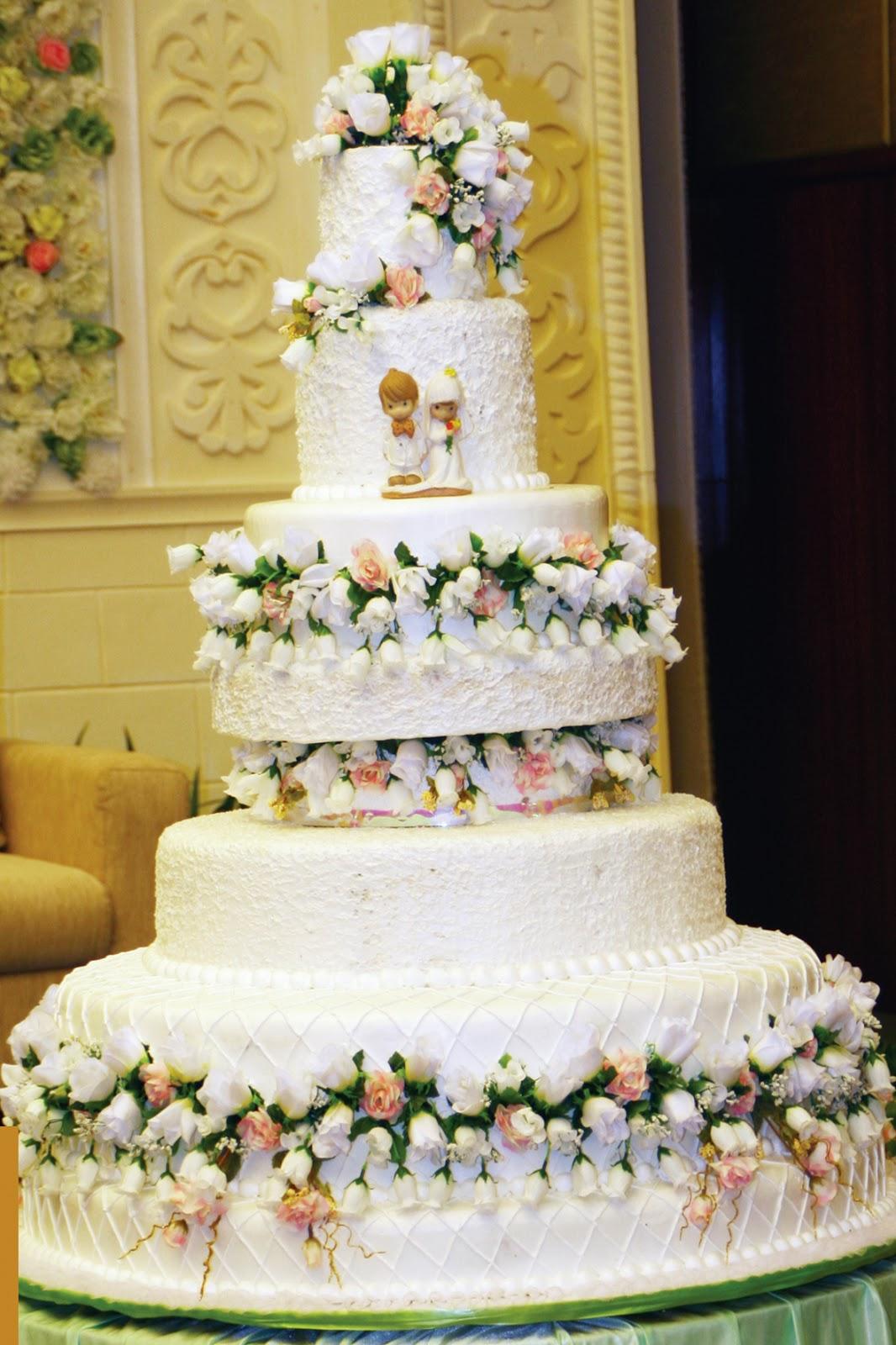 lia event wedding package design your wedding cake. Black Bedroom Furniture Sets. Home Design Ideas