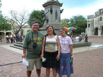 Parque Colón, Zona Colonial,  Viaje a Santo Domingo, vuelta al mundo, round the world, mundoporlibre.com