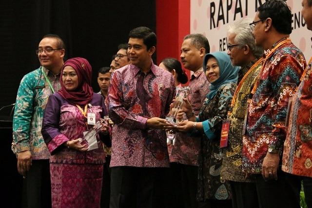 Kemenpan Berikan Penghargaan Kepada 35 Inovasi Pelayanan Publik