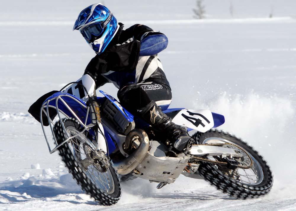moto ice racing hobbiesxstyle. Black Bedroom Furniture Sets. Home Design Ideas