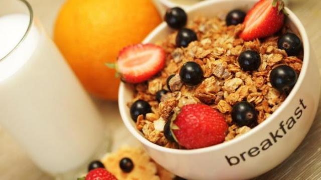 Diet sehat dengan mengkonsumsi oatmeal diet