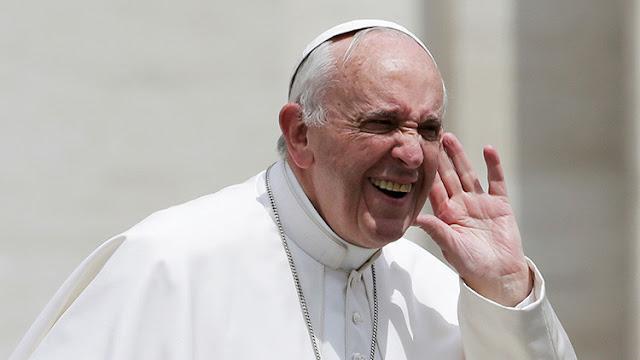"""Católicos contra Francisco: """"Lo que hace el papa es muy preocupante"""""""