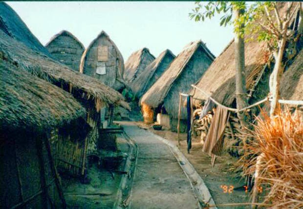 Rumah Adat Sade Rembitan Lombok