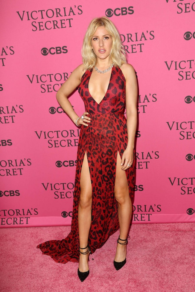 Singer Ellie Goulding Long legs In Maroon Dress