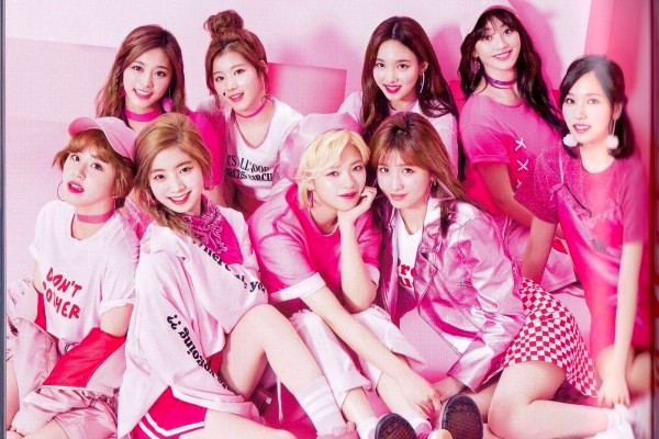 TWICE Becomes the First Girl of K-Pop Group to Hold Dome Tour in Japan!