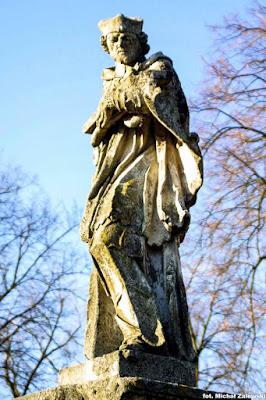 Figura św. Jana Nepomucena w Szczytach-Dzięciołowie