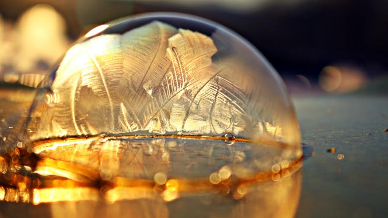 Frozen Soap Bubbles 3
