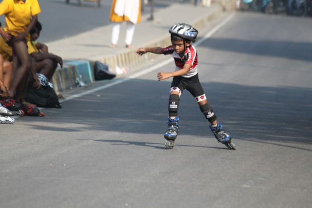 skating classes at erramanzil colony in hyderabad rink race road group teamsvrsa free style skates sales dealer hyderabad champion skates