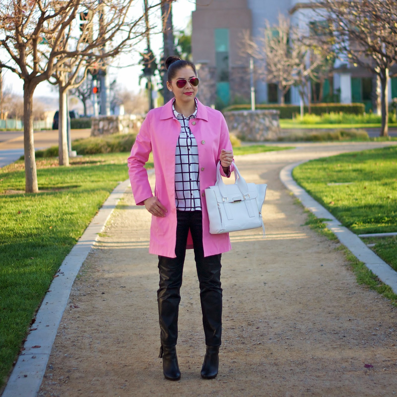 How to wear a pink trench coat with black and white