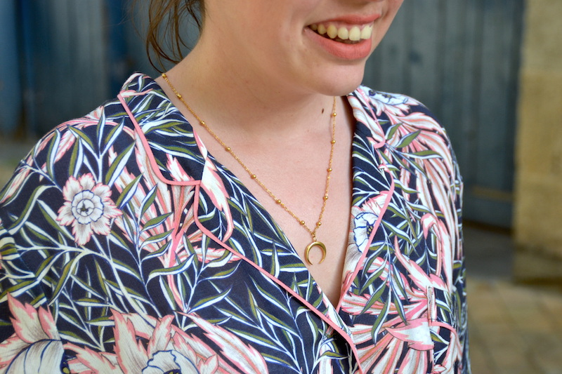 chemise tropical H&M et collier Lily's creation