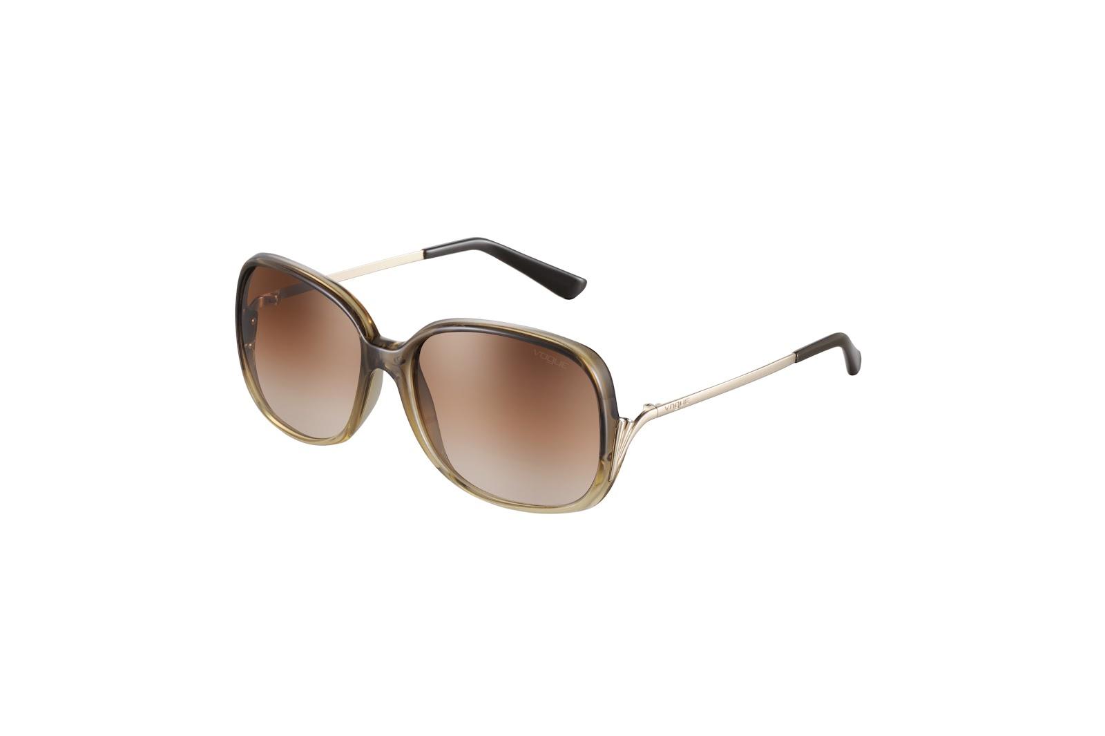 39bdf2f07 É uma das marcas de que mais gosto, porque tem sempre óculos enormes, como  eu gosto. Tenho dois modelos e são dos que mais uso.