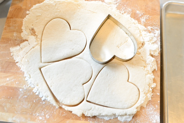 Annelily Design: DiY: Valentine's Salt Dough Hearts