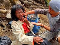 Derita Ibu Arsini, Dibuang Keluarganya Sendiri di Atas Gunung Ceremai. Baca Kisahnya!