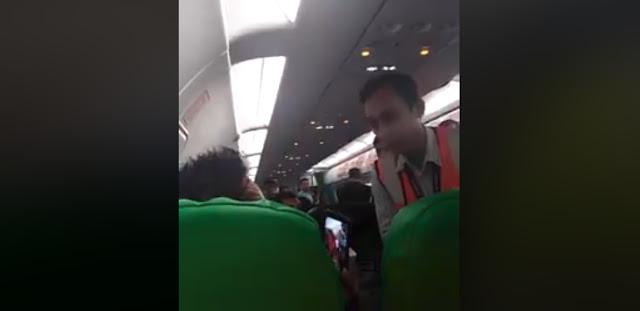 Merokok, Seorang Penumpang Diusir dari dalam Pesawat. Masih Nanya 'Salah Saya Apa?'