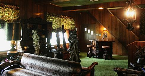 graceland tour elvis presley memphis landmark