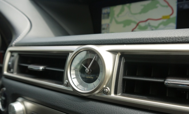 Lexus GS 300h dashboard