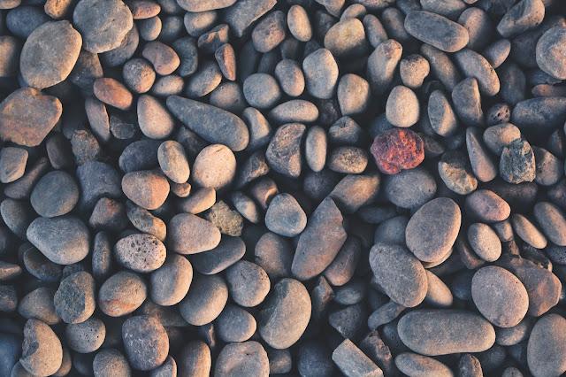 Kiedy nie można zrealizować zasady ZERO KONTAKTU z jednostką toksyczną: minimum kontaktu + taktyka szarego kamienia.