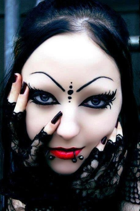 Happy Halloween Day: 30 Gothic Halloween Makeup Ideas Gothic Vampire