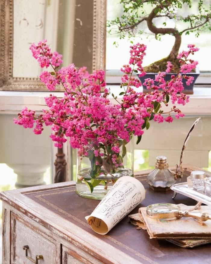 Romantyczny salonik z oszkloną werandą, wystrój wnętrz, wnętrza, urządzanie domu, dekoracje wnętrz, aranżacja wnętrz, inspiracje wnętrz,interior design , dom i wnętrze, aranżacja mieszkania, modne wnętrza, styl francuski, salon