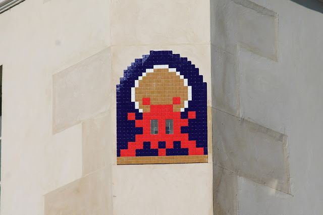 Holy Invader, pray for us sinners! The one and only Invader is once again back in Paris, France where he recently dropped some more invasions.