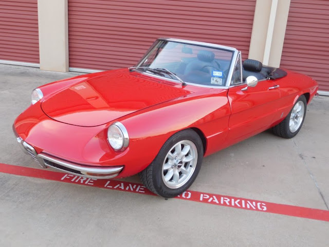 Alfa Romeo Spider 1960s Italian classic sports car